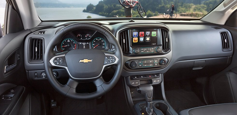 2015-chevrolet-colorado-mid-size-truck-mo-design-interior-980x476-01
